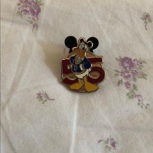 55 Donald Duck Disney Pin